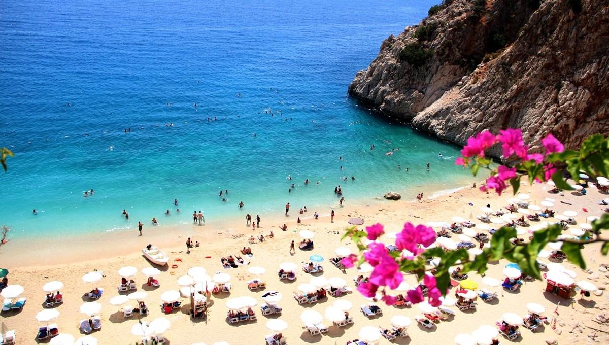 Antalya'nın dünyaca ünlü Kaputaş Plajı'na yoğun ilgi! Akın akın gidiyorlar