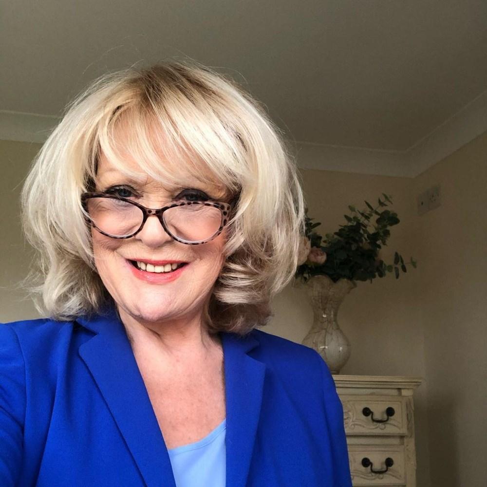Sherrie Hewson: Yönetmen limonatayla kandırıp saldırdı - 1