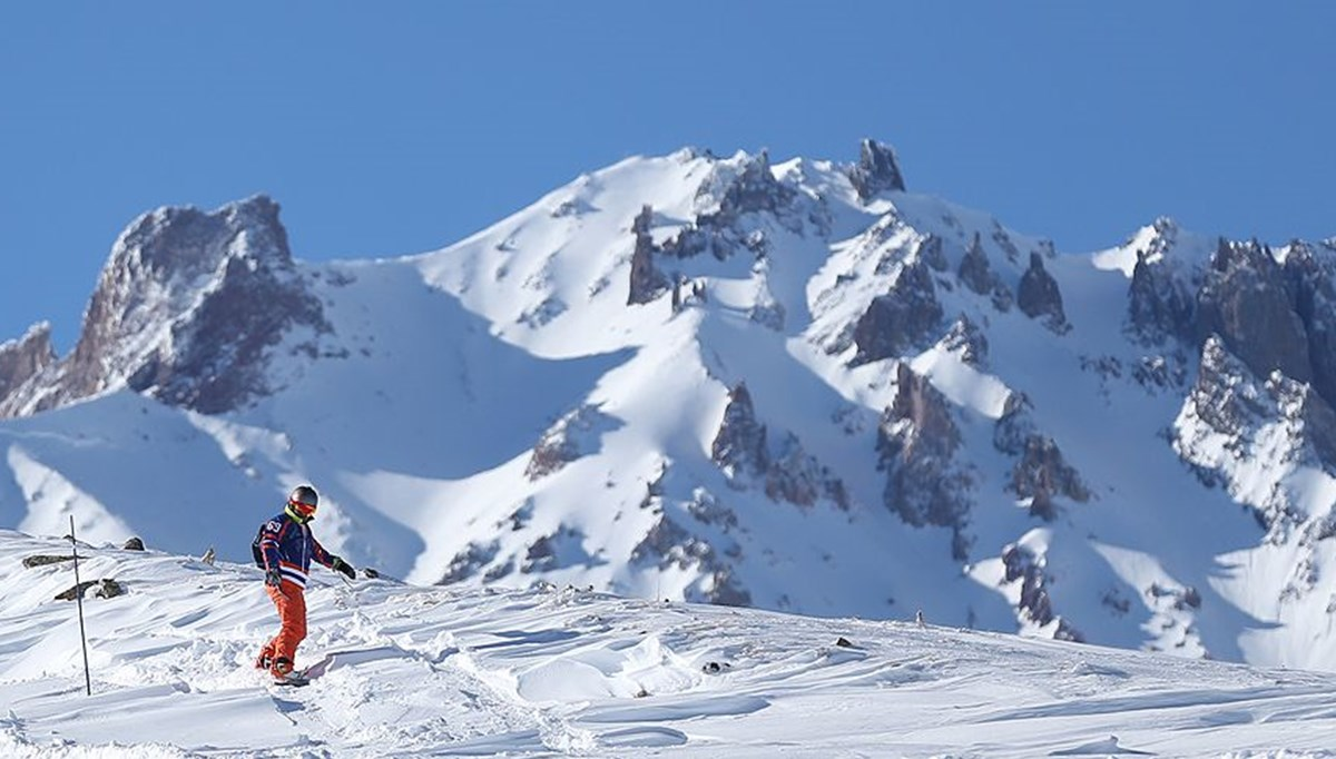 Skiing in Erciyes continues in April