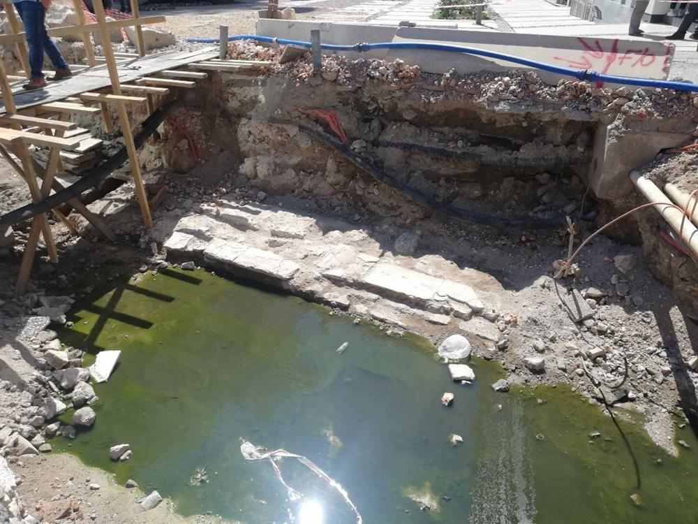 İzmir'de altyapı çalışması sırasında 300 yıllık bedesten bulundu - 1