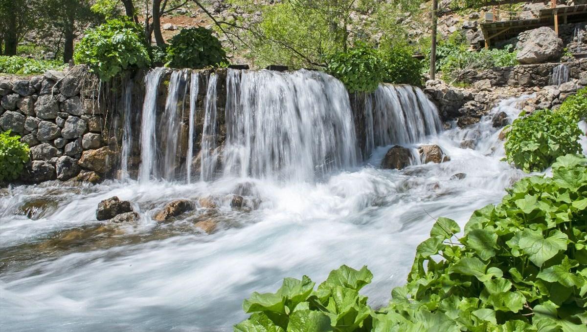 Tunceli'de güzelliğiyle turistlerin ilgi odağı: Munzur Gözeleri