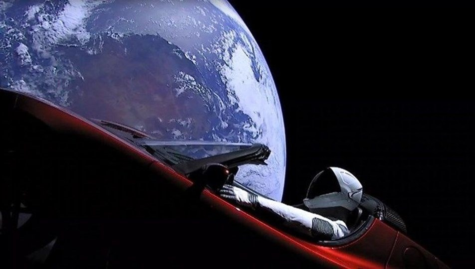 SpaceX ayda araba yarışı düzenlemeye hazırlanıyor