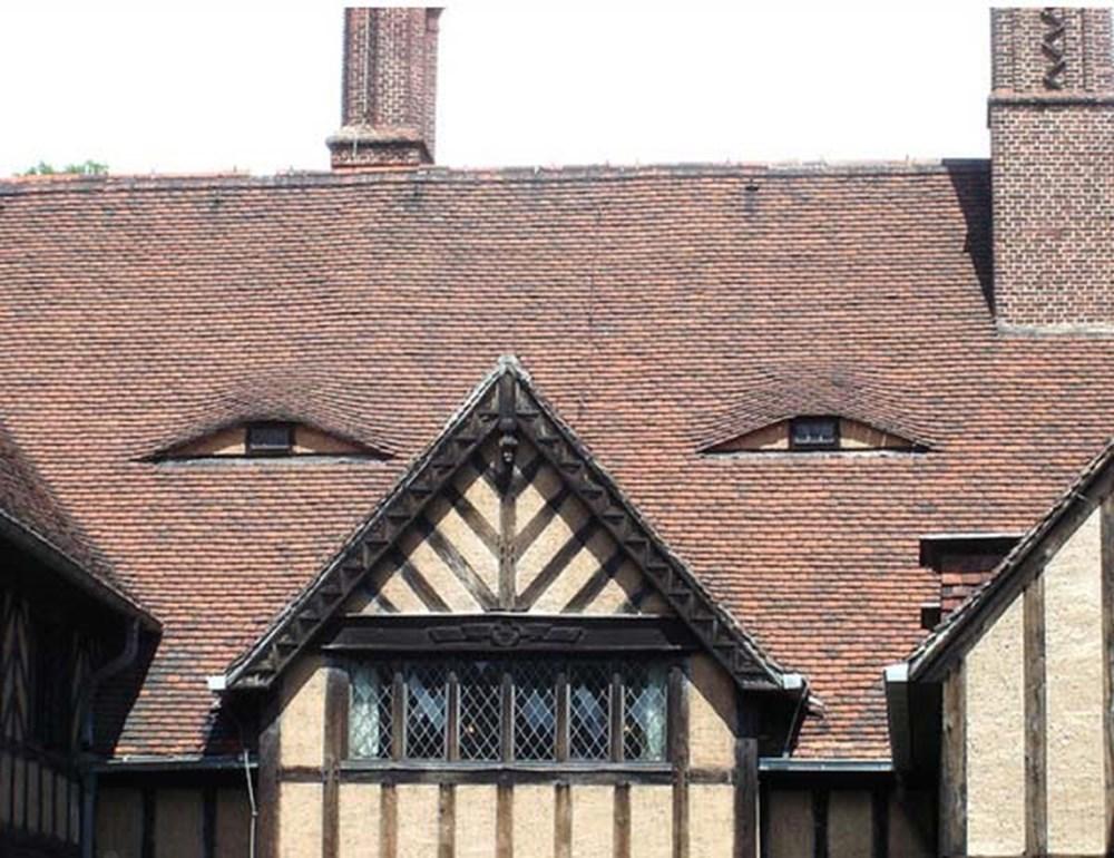 Картинки дом с глазами металла такие