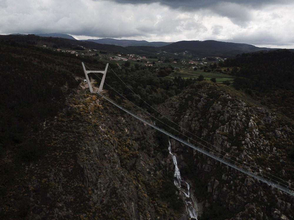 Yayalara özel en uzun asma köprü açıldı - 9