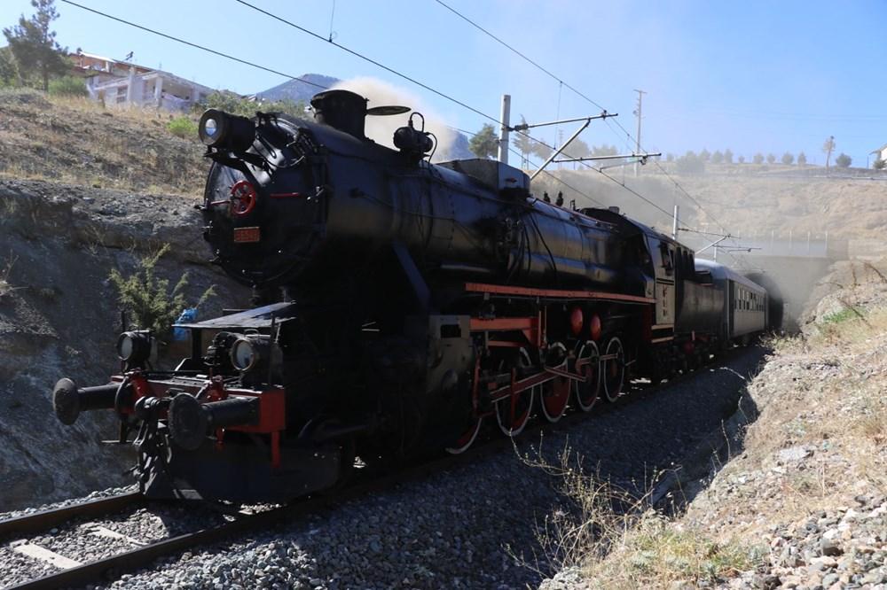 Atatürk'ü 100 yıl önce Pozantı'ya getiren buharlı kara tren yeniden Pozantı'da - 3