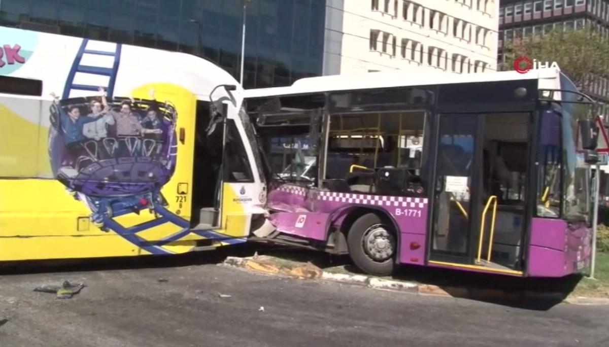 SON DAKİKA HABERİ: İstanbul'da tramvay ile halk otobüsü çarpıştı