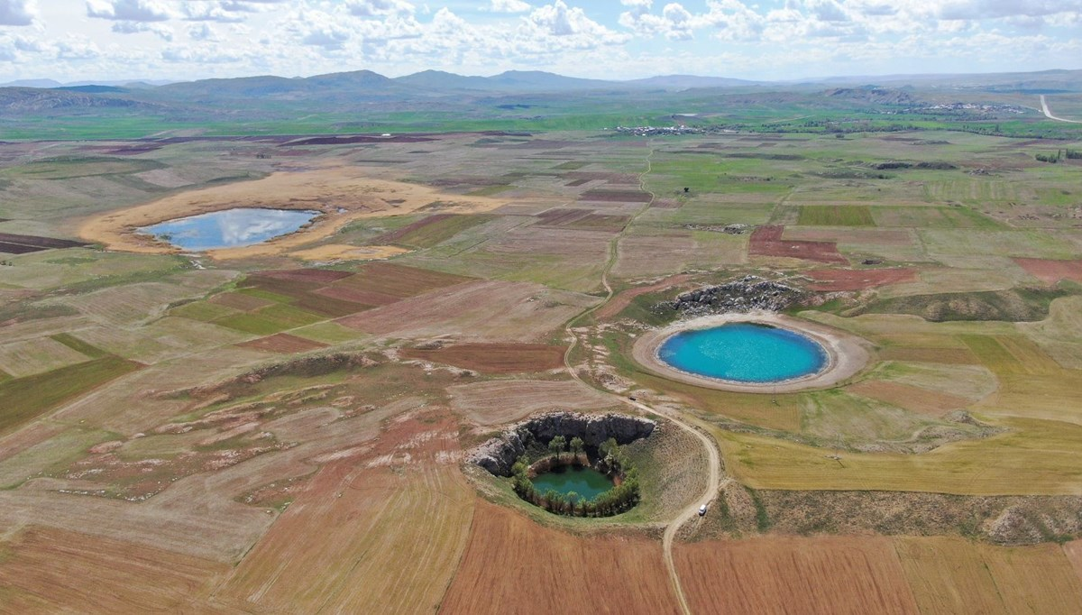 The colorful lakes of Sivas fascinate those who see it