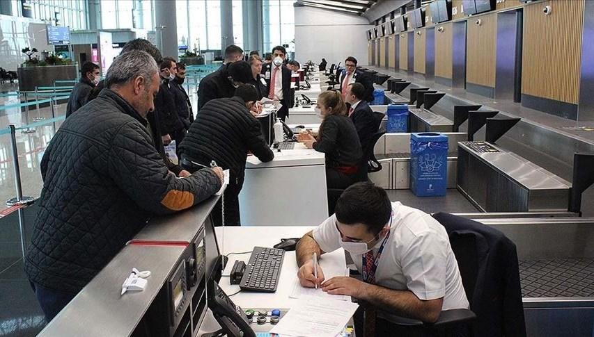 İstanbul Havalimanı'nda iç hat yolcularının 'Seyahat İzin Belgesi' için başvuruları başladı