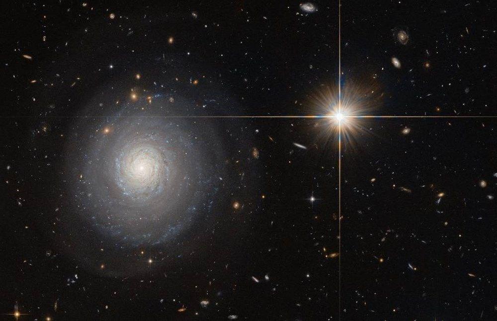 NASA, 250 yıl önce keşfedilen galaksinin fotoğrafını paylaştı: 150 milyon ışık yılı uzaklıkta - 4