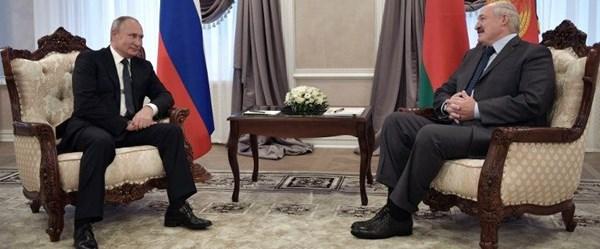 Putin ve Lukaşenko'dan canlı yayında doğalgaz pazarlığı