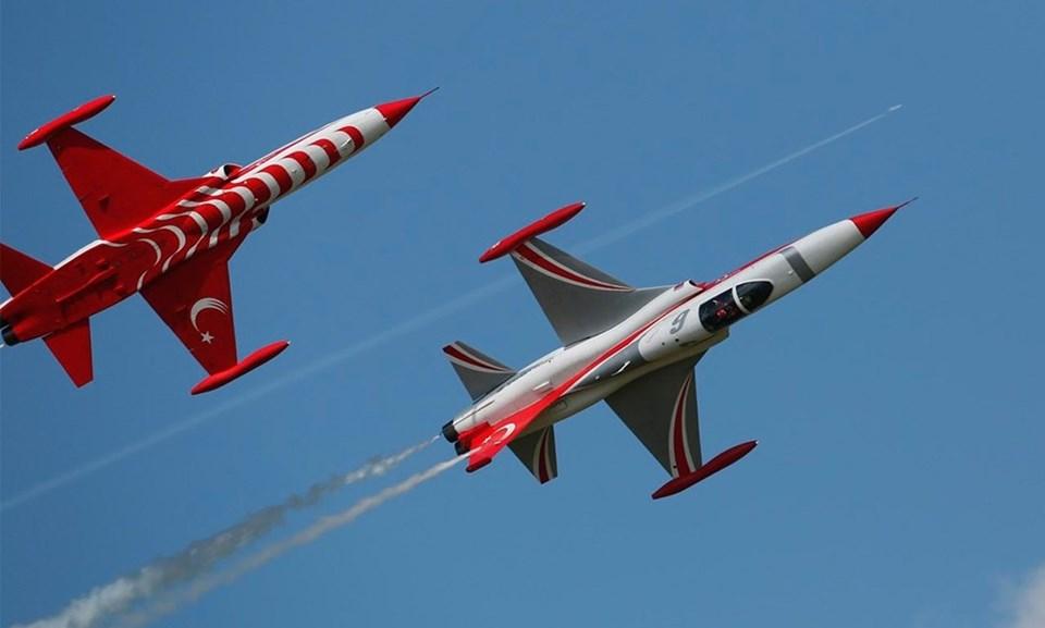 Türk Yıldızları'na ait NF-5 tipi gösteri uçakları (ARŞİV)