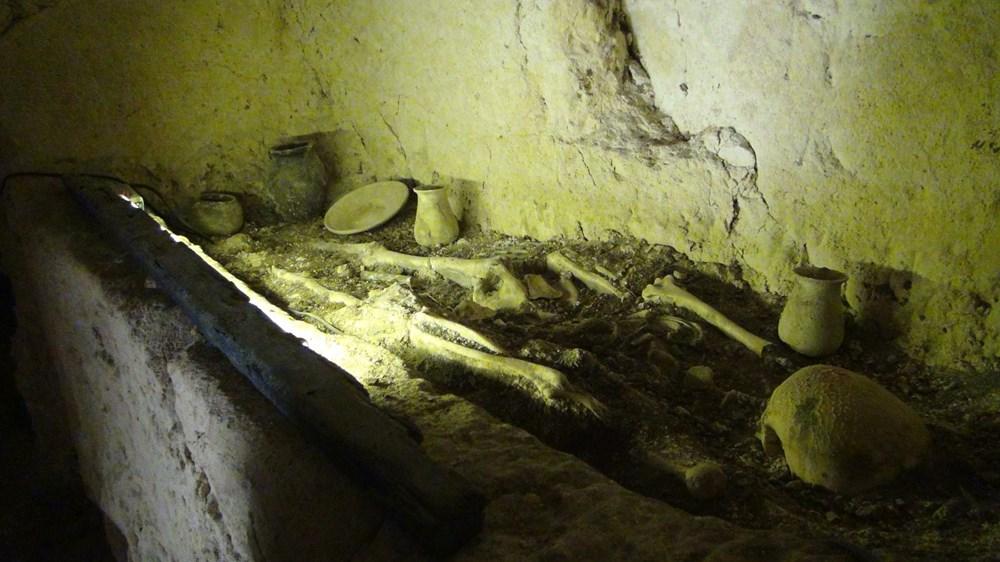 Şanlıurfa'da 2 bin yıllık tarihi kaya mezarları ziyarete açıldı - 5
