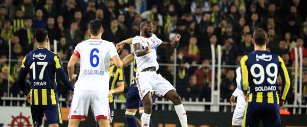 Fenerbahçe-Kardemir Karabükspor karşılaşması (Canlı anlatım)