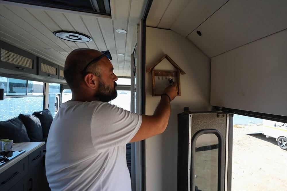 İş seyahatlerinden sıkılınca otobüsü eve çevirdi - 13