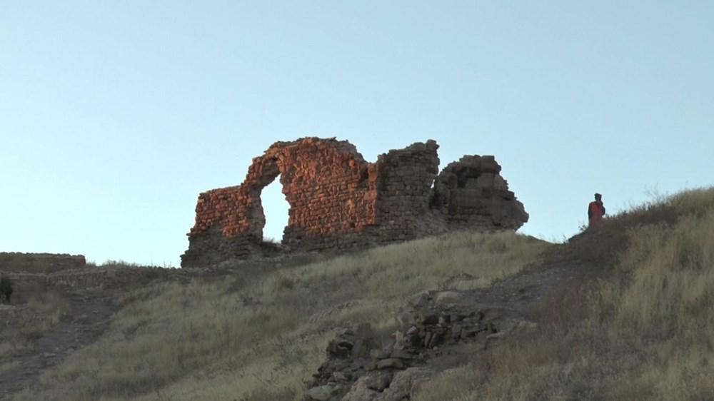 Bayburt Kalesi'nde tarihi kalıntı ve eserlere ulaşıldı - 5