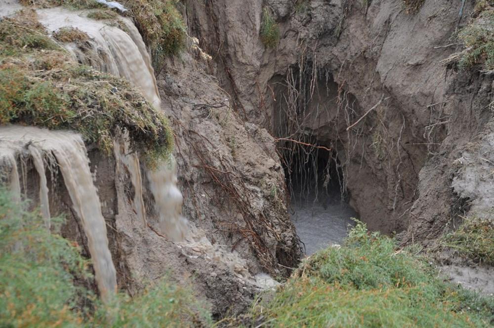 AFAD inceleme başlattı: Konya'da yağmur sonrası dev yarıklar oluştu - 8