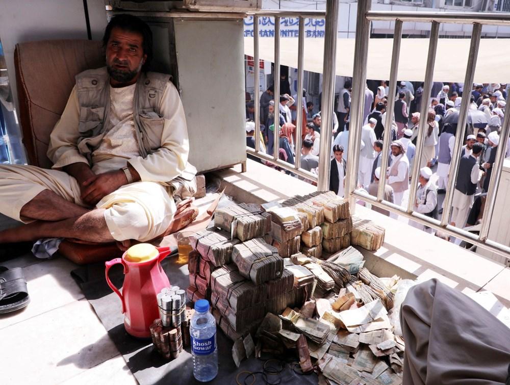 Afganistan'da ekonomi çökmek üzere: Halkın sadece yüzde 5'i yeterli  yiyeceğe erişebiliyor - 11