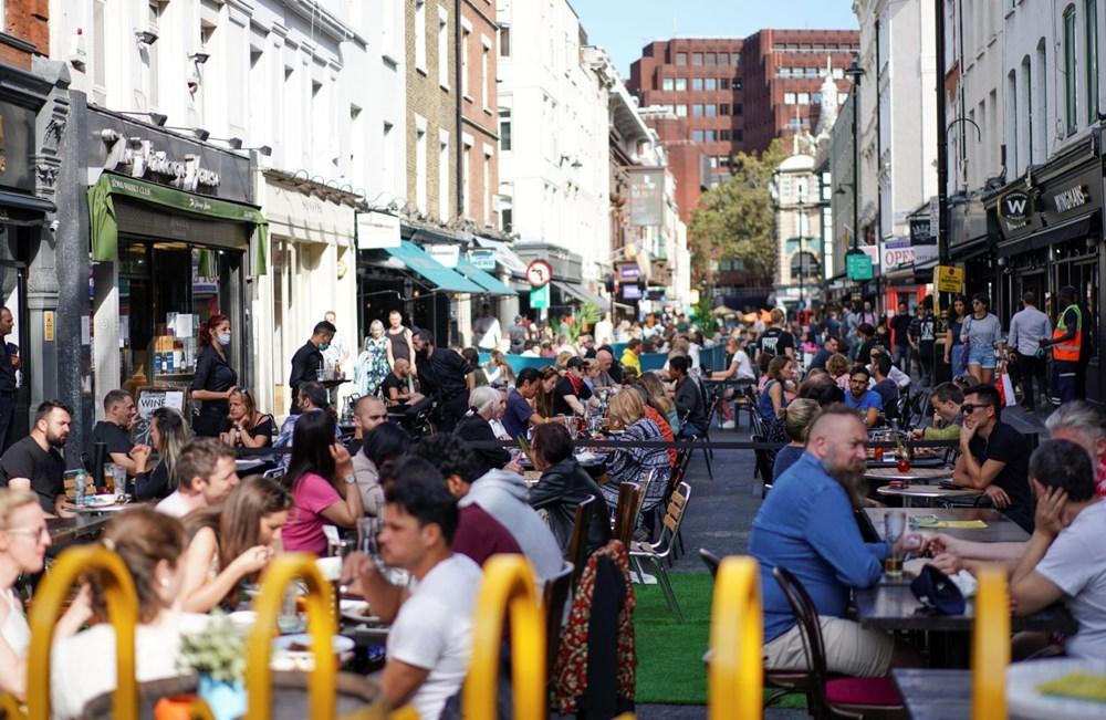 İngiltere'de ek virüs tedbirleri: Bar ve restoranlara saat kısıtlaması - 5
