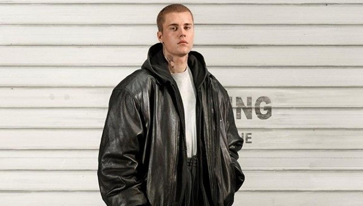 Justin Bieber moda reklamı için kamera karşısında