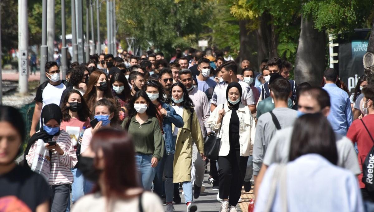 Kampüse dönen üniversiteliler endişeli: Kurallara kimse uymuyor