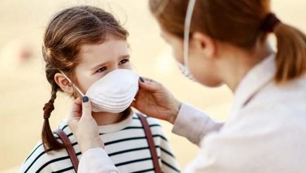 İngiltere'de doktorlara uyarı: Çocuklarda corona virüsle bağlantılı yeni bir hastalık görülüyor olabilir