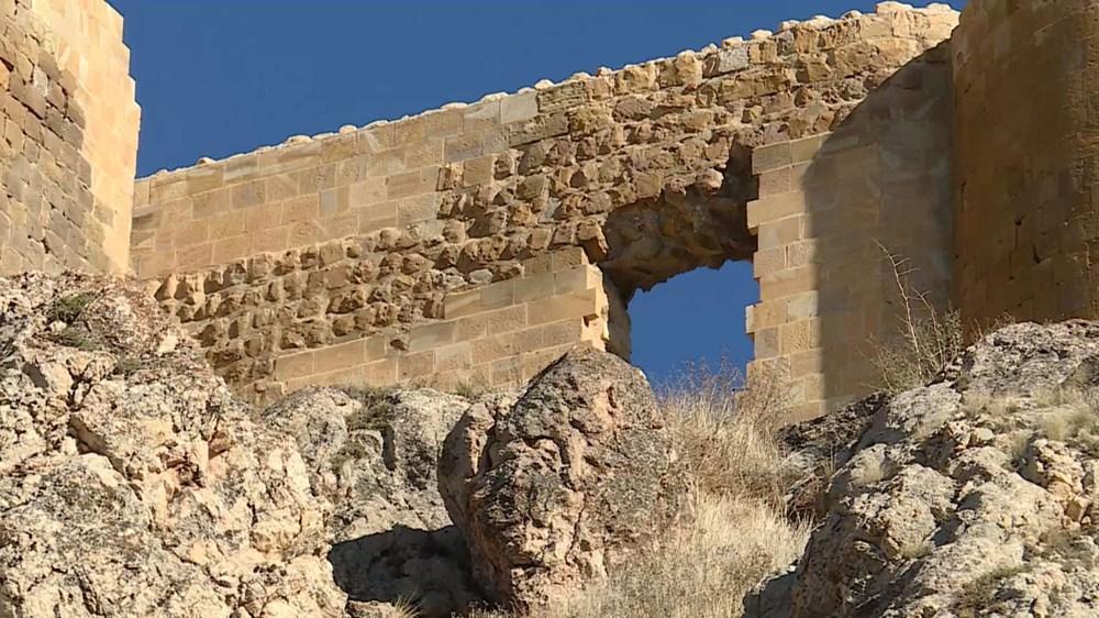 Bayburt Kalesi'nde tarihi kalıntı ve eserlere ulaşıldı - 2