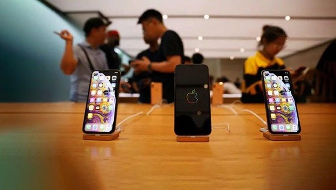 Apple 3 iPhone modelinin fişini çekiyor