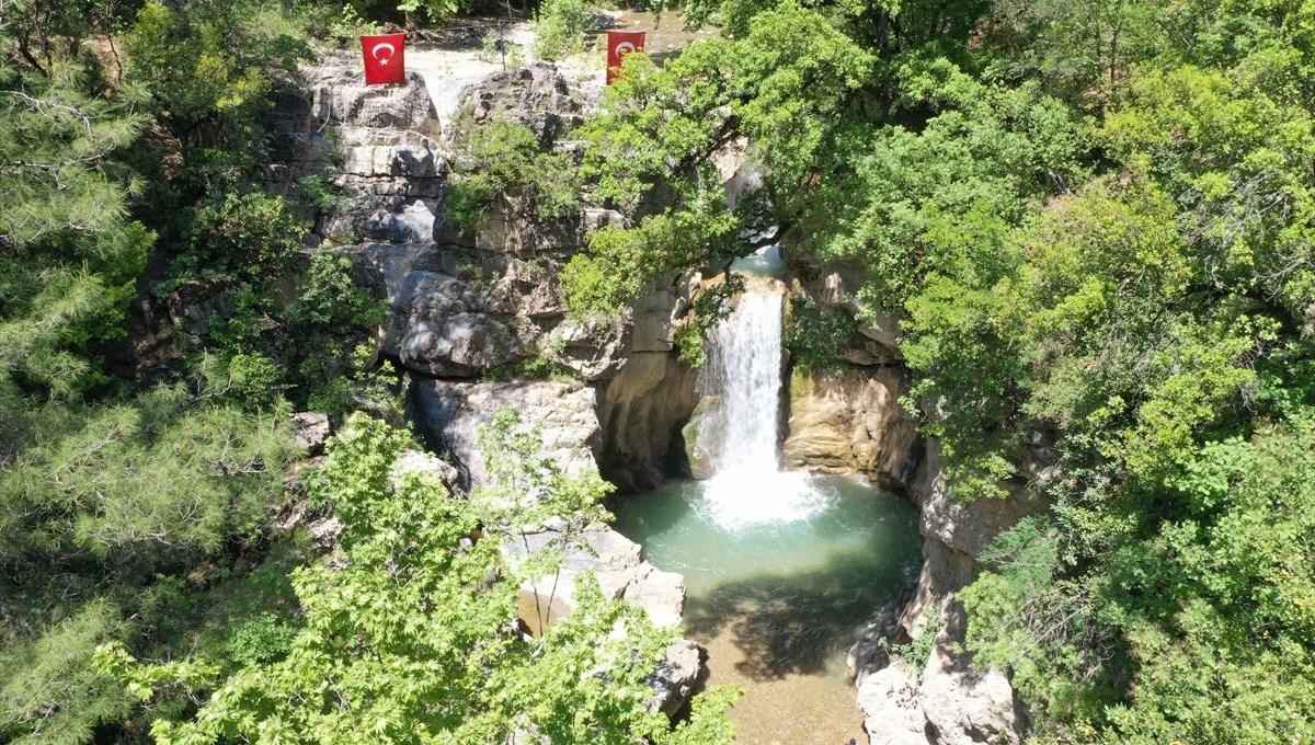 Kahramanmaraş'ın saklı güzelliği 'Galgamaç Şelalesi' hayran bırakıyor