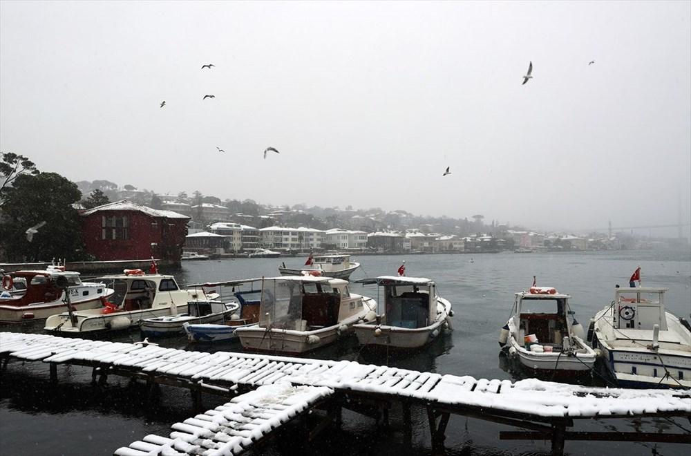 İstanbul'da kar yağışı devam ediyor - 12