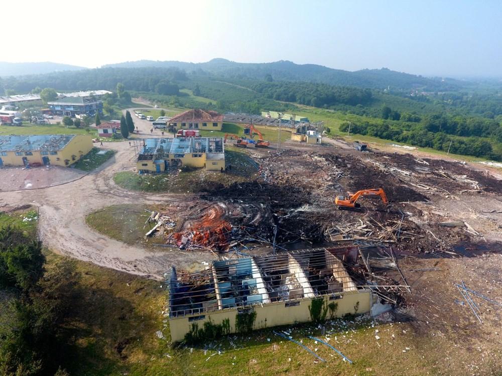 Sakarya'da patlamanın olduğu alandaki hasar havadan görüntülendi - 13