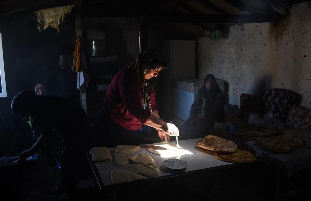 Karslı kadınlar ramazan ayında tandırları yöresel lezzetler için yaktı - 7