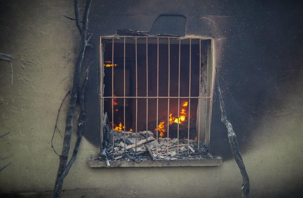 Manavgat'taki yangın evleri kül etti - 12