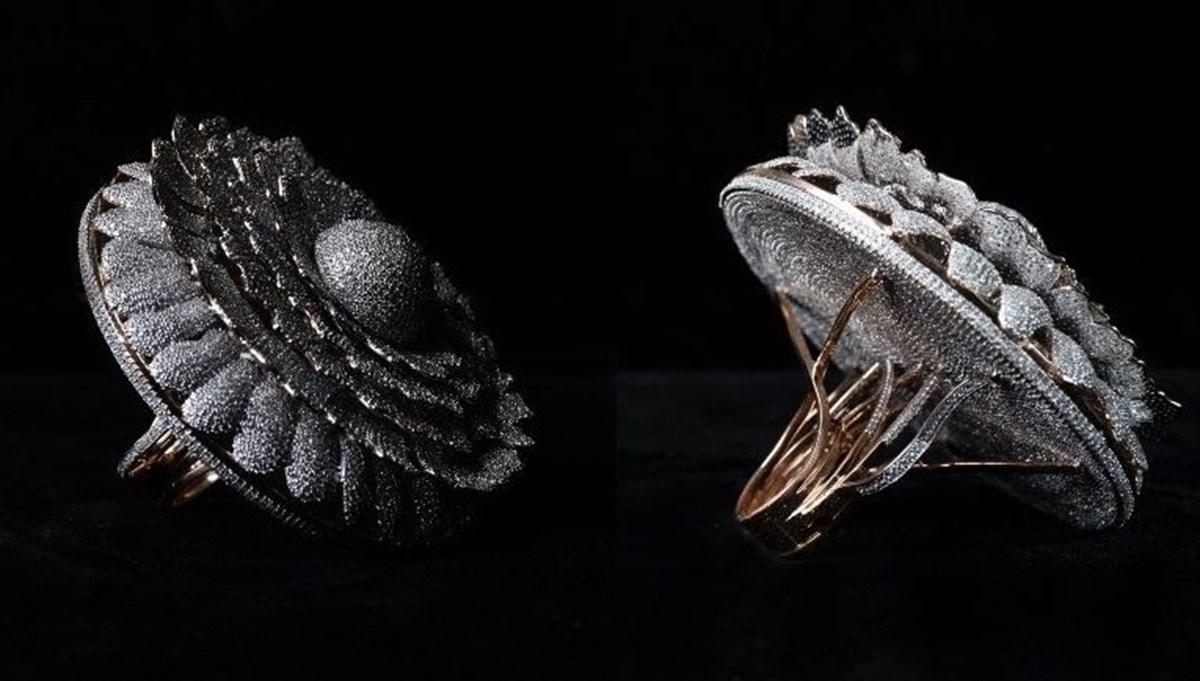 Hindistan'da 12 bin 638 elmas bulunan yüzük Guinness'e girdi
