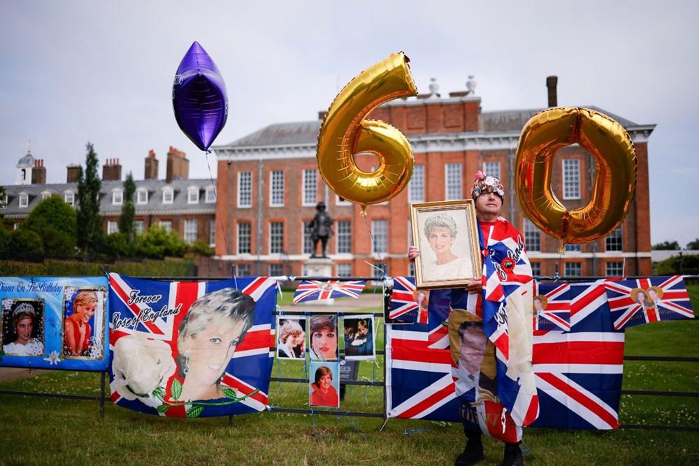 Prenses Diana'nın 60'ıncı doğum gününde Kensington Sarayı'nda heykelinin açılışı yapıldı - 2