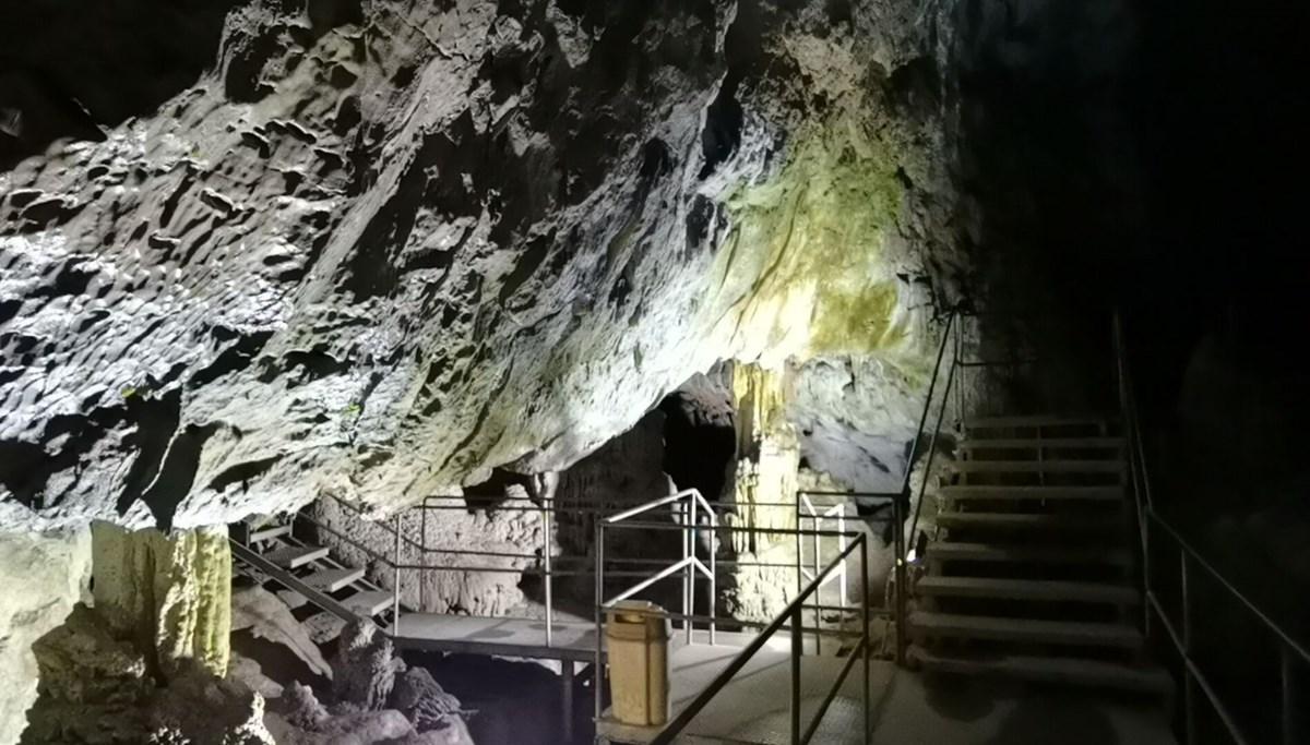 3 milyon yaşındaki Türkiye'nin en büyük 2. mağarası Oylat'ta kış ayında sıcaklık 18 derece