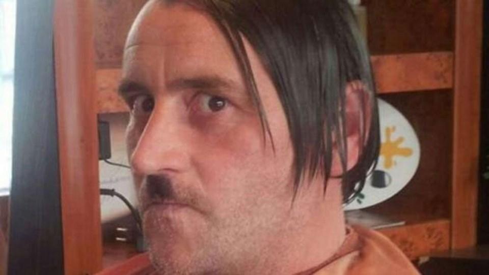 Lutz Bachmann'ın paylaştığı, Hitler kılığına girdiği fotoğraf