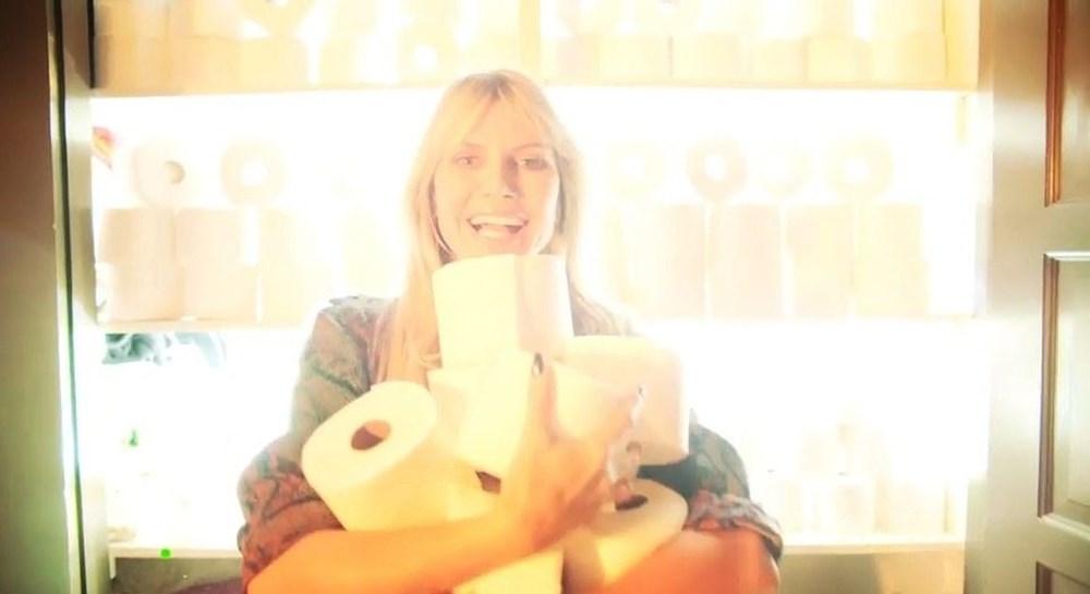 Heidi Klum Cadılar Bayramı'nda ailesiyle evde korku filmi çekti - 3