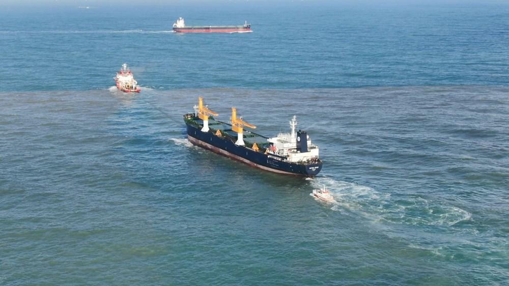 Riva'da sürüklenen kargo gemisi kurtarıldı - 6