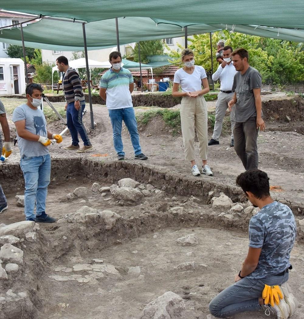 Bilecik'teki Batı Anadolu'nun en eski ergen iskeleti bulundu - 7