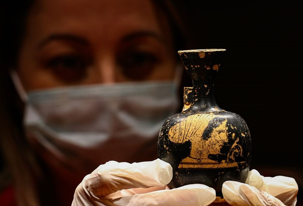 Tarihi 'parfüm şişeleri' ilk kez sergileniyor - 11