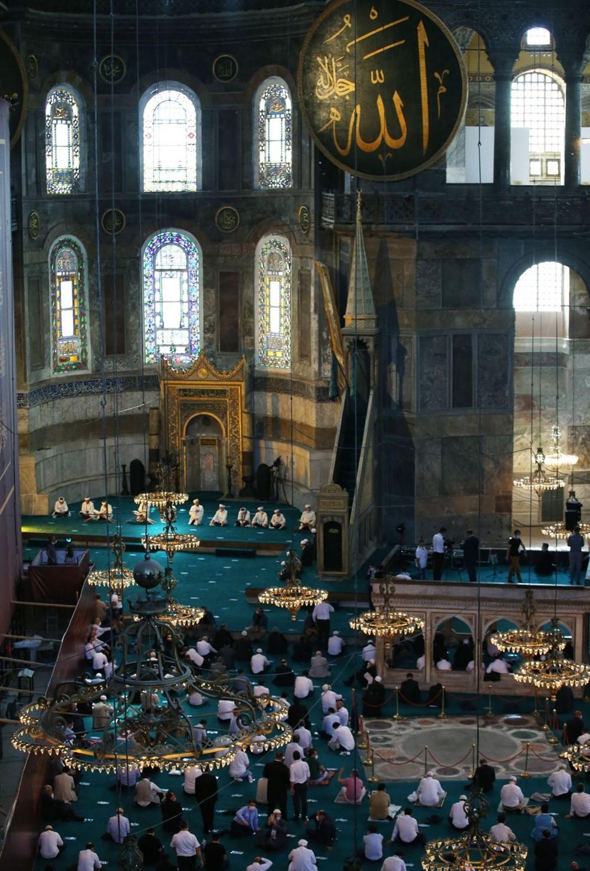 Ayasofya-i Kebir Camii Şerifi ibadete açıldı (Ayasofya'da 86 yıl sonra ilk namaz) - 2