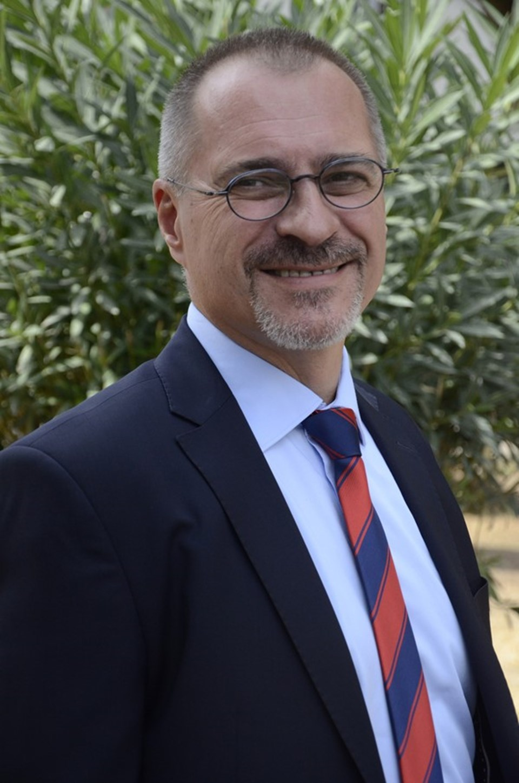 Op. Dr. Alp Varılsüha