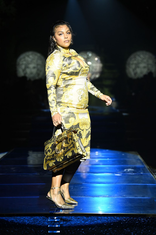 Gigi Hadid, Kate Moss ve Naomi Campbell Milano Moda Haftası'nda - 14