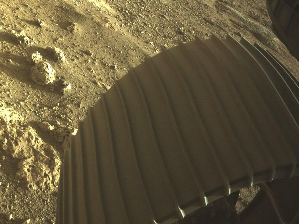 NASA, Mars'tan yeni fotoğraflar paylaştı - 3