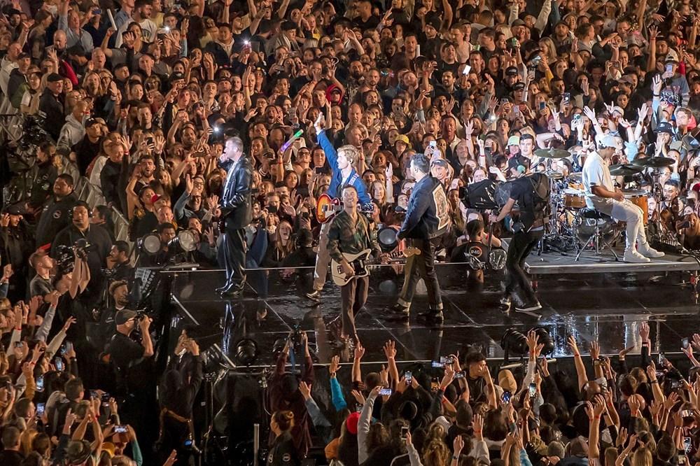 Dünya karantinadayken Yeni Zelanda'da 50 bin kişilik konser - 6