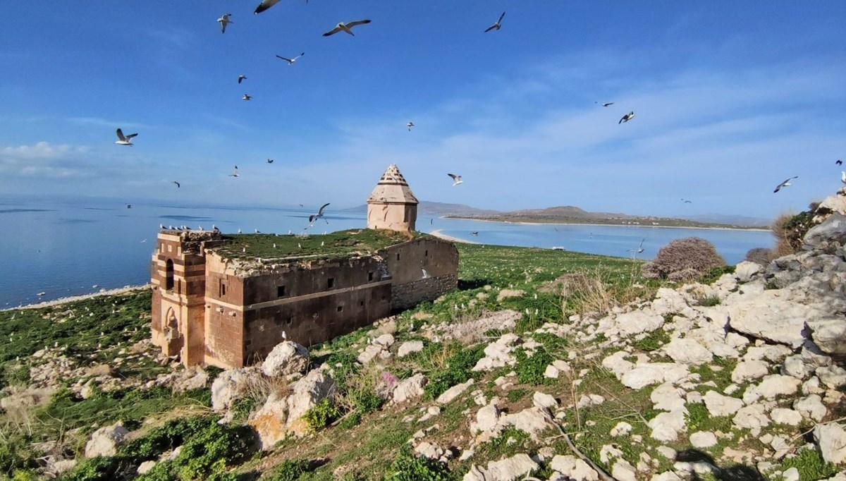 The island of Lake Van smelling history: Çarpanak