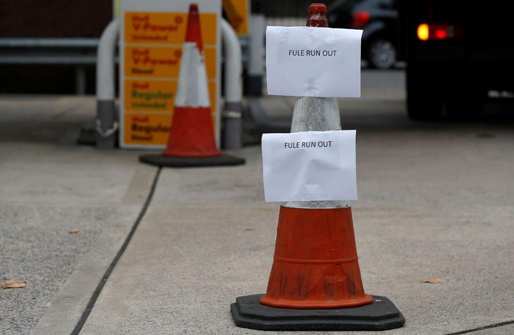 İngiltere'de yakıt krizi giderek büyüyor - 13