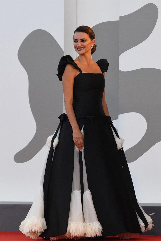 Penelope Cruz'un elbisesinin yapımı 300 saat sürdü - 2
