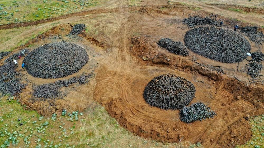 Ekmeklerini mangal kömüründen çıkarıyorlar - 12
