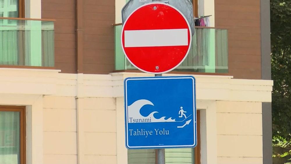İstanbul'da 'tsunamiden kaçış' tabelaları - 1